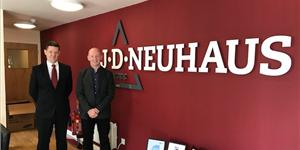 Steve Walker, managing director of JD Neuhaus (left); and Colin Naylor, managing director of Lifting Gear Hire. (Photo: LGH)